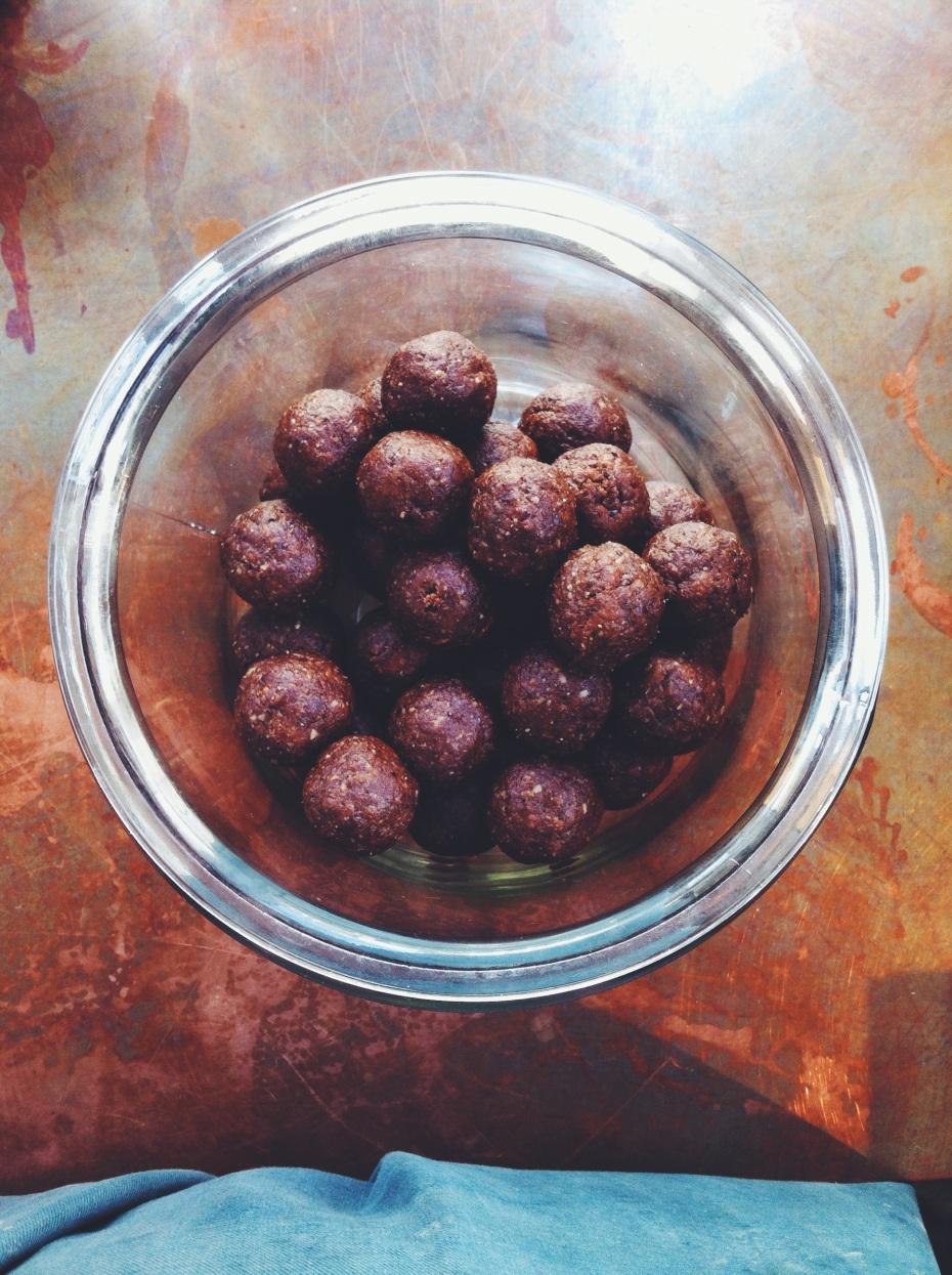 Raw Vegan Brownie Bites-natural health star