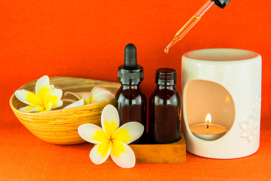 photodune-5490790-aromatherapy-essential-oil-and-the-burner-xs